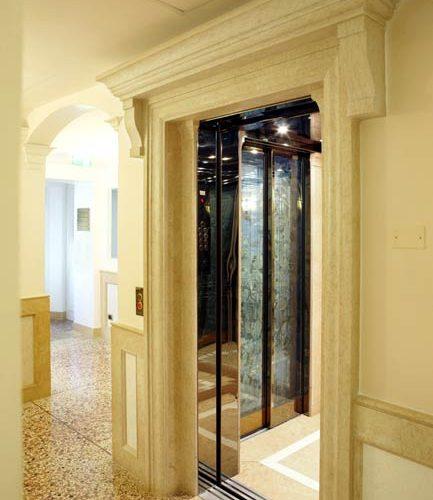 ascensore hotel