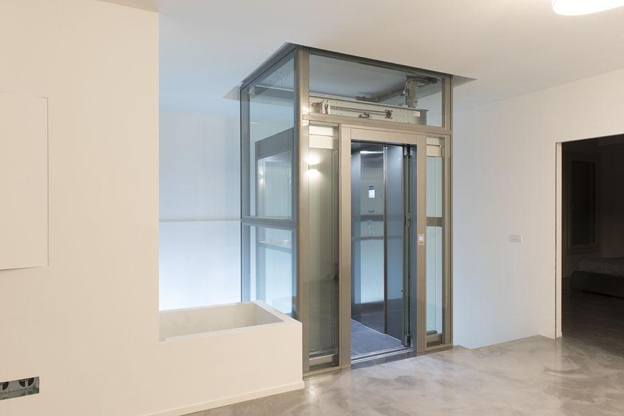 ascensore azienda