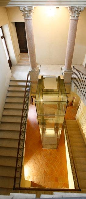 ascensore vetro Palazzo Ducale Mantova